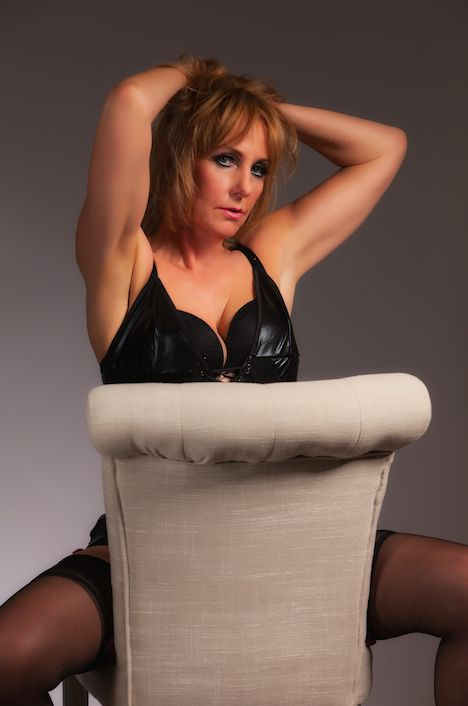 Female escorts oxfordshire Banbury Escorts & Massages - Independent & Agency Escorts - Vivastreet