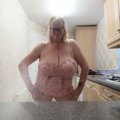 Paulahotchick Mansfield East Midlands NG19 British Escort