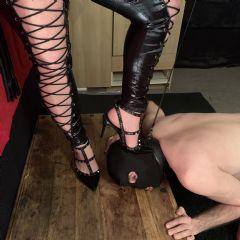 kinky mistress whips Croydon Bromley Beckenham Purley Sutton London London Cr0 British Escort