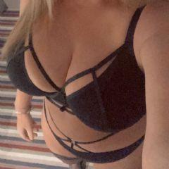 curvy-sam escort