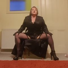 MistressEm escort