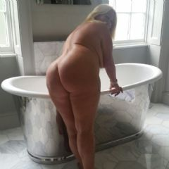 blondecougar escort