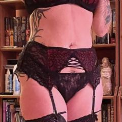 holly dymond Cardiff Bridgend Newport Bristol Swindon,  Wales CF24 British Escort
