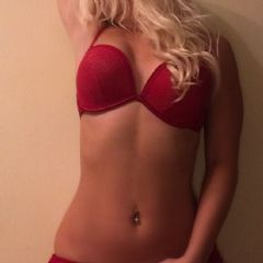 Escort - Blonde_Kylie