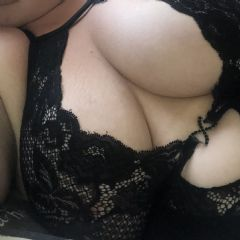 kat_boredhousewife escort