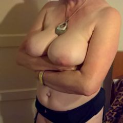 Sexy_Mature_Sue Cardiff Wales CF14 British Escort