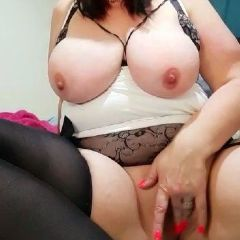Curvymilf69 escort