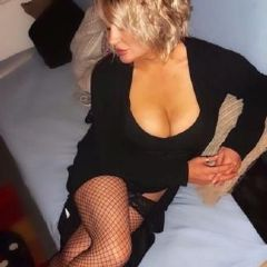 Belle_Blue Cardiff  Wales  British Escort