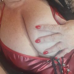 Playful_Milf_Demi escort