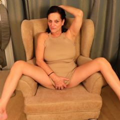 ginaessex Brentwood, Billericay, Essex, Havering, Thurrock East of England (Anglia) CM12 British Escort